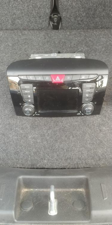 radio y.jpg
